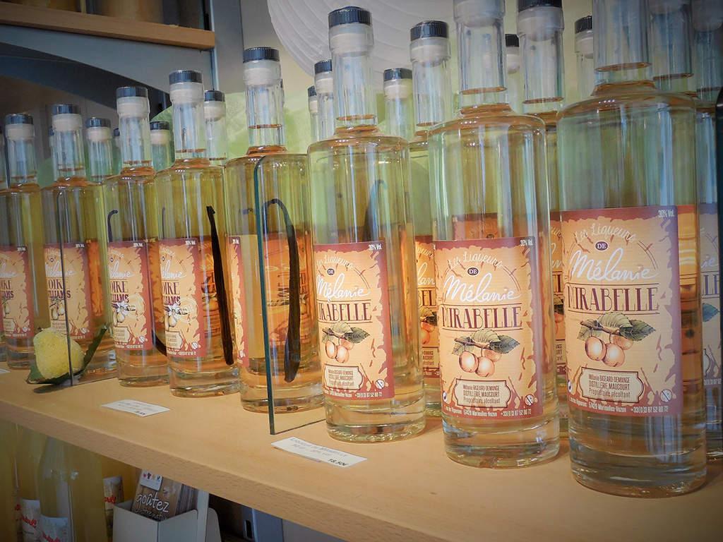 Mélanie vous accueille dans sa distillerie artisanale