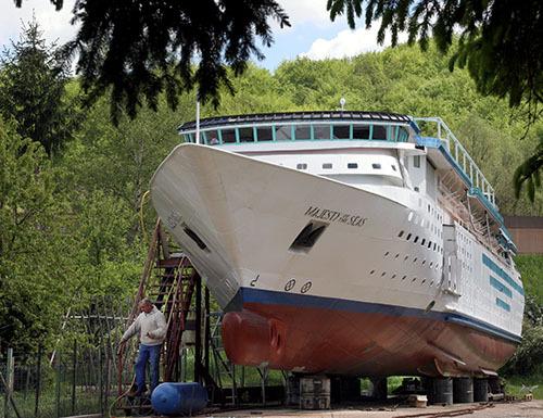 Le Majesty of the Seas jette l'ancre à L'Hôpital !